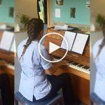 Cette infirmière joue du piano pour ses patients mourants !