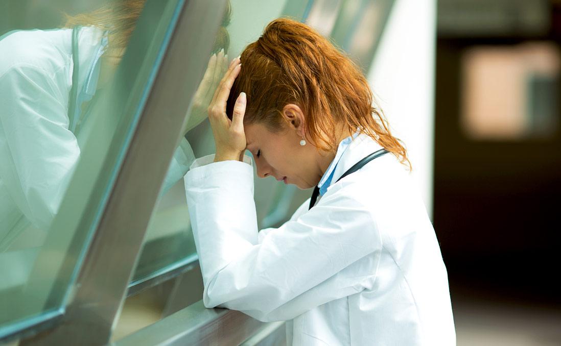 Maltraités, harcelés, insultés... Témoignage choc d'une infirmière étudiante