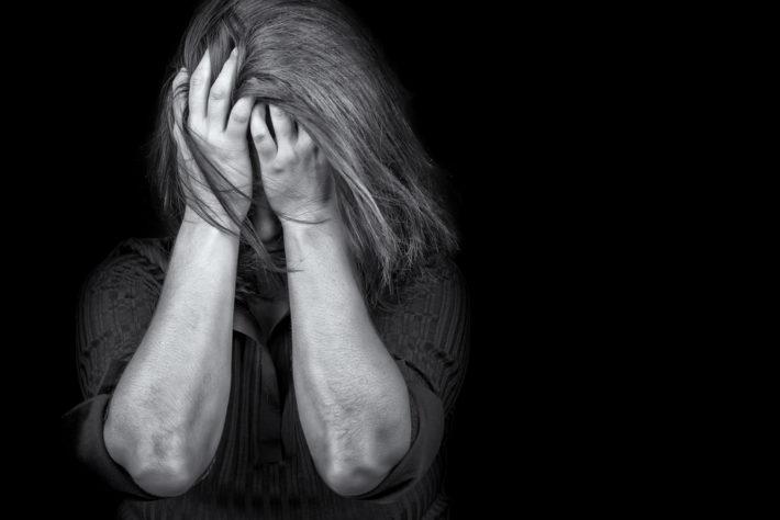 Plainte refusée pour une infirmière agressée par 13 PERSONNES !