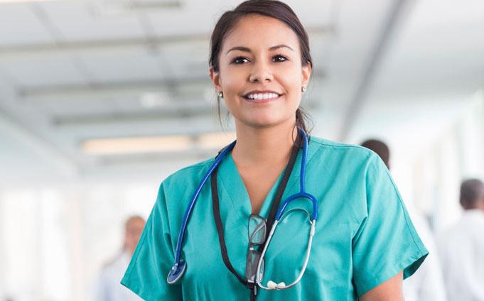 slide-happy-nurse Infirmières, voici comment s'occuper autant de ses patients que de sa famille